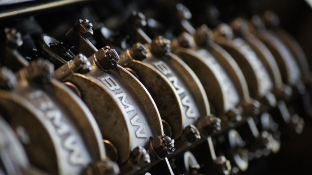 Motor eines historischen BMW im Technikmuseum Sinsheim