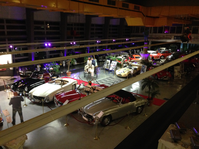 Ein Blick in die Ausstellungshalle des Automobilmuseums in Dortmund