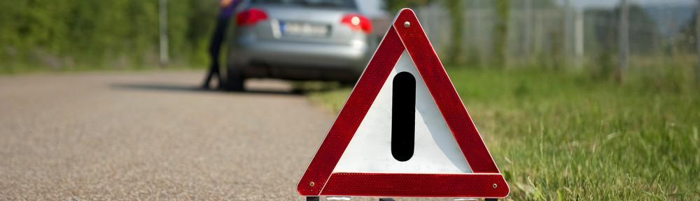 Warndreieck zeigt: Achtung Handlungsbedarf im Leadmanagement im Autohaus
